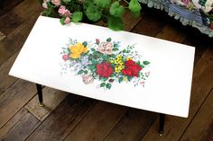 Vintage Home - Super Pretty 1950s Roses Coffee Table.