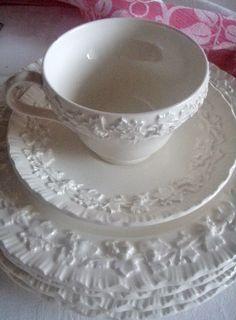 . . . Cabin & Cottage : Wedgewood Valentine Tea