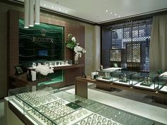 Despite Continued Falling Swiss Watch Exports, These Are The Top Markets Duravit, London England, Buy Watches Online, Watch Display Case, Shops, Showcase Design, Display Showcase, Brick And Mortar, Jewelry Showcases