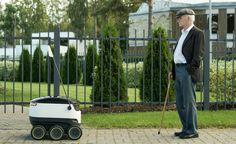 人間の歩行スピードで動く小さな「荷物配達ロボット」が、街の物流を担う日