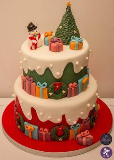 Christmas cake Christmas Cake Decorations, Christmas Sweets, Christmas Baking, Christmas Cookies, Christmas Crafts, Cupcakes, Cake Cookies, Cupcake Cakes, Gateau Iga