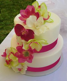 Luau Cake Luau Cakes, Beach Cakes, Hawaiian Cakes, Beautiful Cake Designs, Beautiful Cakes, Amazing Cakes, Luau Birthday, Birthday Cakes, Girl Birthday