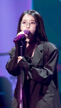 "IU 181117 Debut Anniversary Tour Concert ""dlwlrma"" in seoul Warner Music, K Pop Music, Moon Lovers, Soyeon, Feel Tired, Korean Celebrities, Mamamoo, Queen, Little Sisters"