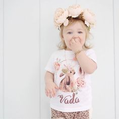 Omg her shirt says Vada :D . I want to name one of my future Daughters that but spelled VAYDA