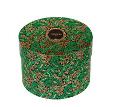 Laduree-Coffret-Cadeau-Cachemire---90-euros http://www.vogue.fr/mode/shopping/diaporama/cadeaux-de-noel-feu-vert/10977/image/652984#laduree-coffret-cadeau-cachemire-90-euros