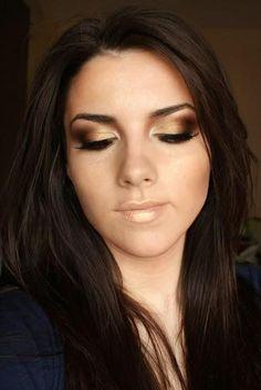 Gorgeous bronzed eye makeup look