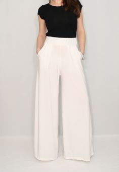Women pants Wide leg pants Ivory pants with pockets Off white trousers White Wide Leg Pants, White Trousers, Wide Leg Denim, Navy Pants, Outfit Formal Mujer, White Pants Outfit, Mint Bridesmaid Dresses, Pants For Women, Fashion Outfits