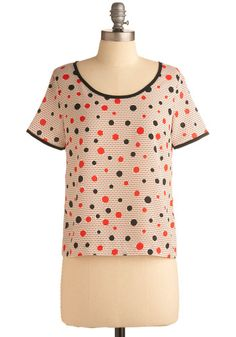 This would look so cute under my red 3/4 sleeve jacket!