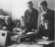 Karl Richter (second from left) and Maurice André (second from right) are listening to the Deutsche Grammophon Gesellschaft (DGG) Telemann/Handel recording.