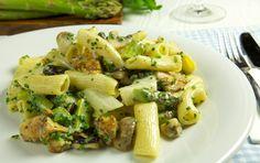 Penne mit Spargel, Schwammerl und Zitronenfrischkäse Penne, Sprouts, Asparagus, Potato Salad, Potatoes, Vegetables, Ethnic Recipes, Food, Hamburger Patties