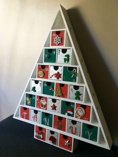 Calendrier de l'Avent en bois – 24 boites à remplir - thème argent vert et rouge