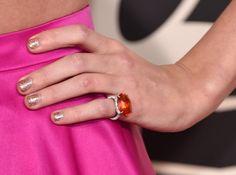 Pin for Later: Mit diesen Maniküren verpassen die Stars ihrem Look den letzten Schliff Taylor Swift, Grammys