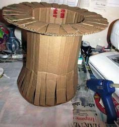 Vestiti Carnevale fai da te Alice nel paese delle meraviglie - Cappello di cartone