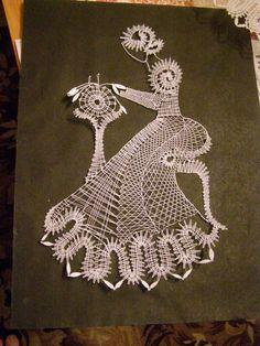 Encajera Lacemaking, Lace Heart, Lace Jewelry, Textiles, Bobbin Lace, Lace Design, Crochet Dolls, Lace Detail, Dream Catcher