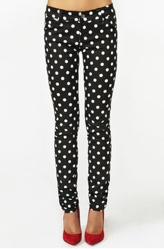 Polka Dot Skinny Jeans. Love the red heels too.