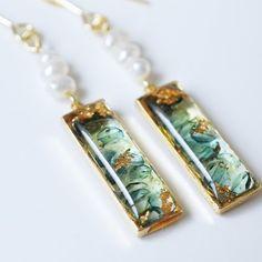 Diy Resin Art, Diy Resin Crafts, Jewelry Crafts, Jewelry Art, Resin Jewelry Tutorial, Making Resin Jewellery, Magical Jewelry, Homemade Jewelry, Fantasy Jewelry