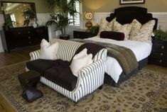 Small Couch In Bedroom, Bedroom Couch, Sofa Couch, Living Room Sofa, Bedroom Furniture, Dark Furniture, Couches, Bedroom Apartment, Furniture Decor