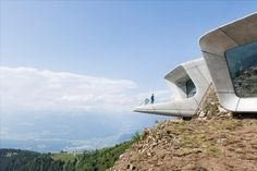 "Messner Mountain Museum Corones by Zaha Hadid Architects ""Location: Province of Bolzano - South Tyrol, Italy"" 2015 Zaha Hadid Architects, Architectes Zaha Hadid, Zaha Hadid Design, Alpine Modern, South Tyrol, Design Furniture, Berg, Business Design, Futuristic Architecture"