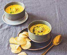 Kukuřičná polévka s pečeným květákem   Recepty Albert Fondue, Eggs, Cheese, Cooking Ideas, Breakfast, Yum Yum, Ethnic Recipes, Red Peppers, Cooking