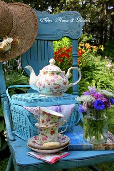 Aiken House & Gardens: Chintz Garden Tea