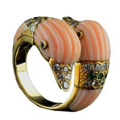 VAN CLEEF & ARPELS Coral Duck Head Ring