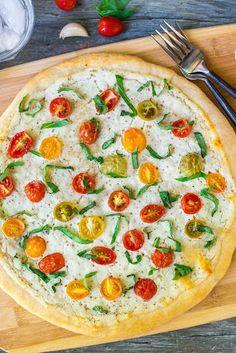 Tomato, Ricotta, and Basil Pizza Recipe Pizza Recipes, Vegetarian Recipes, Cooking Recipes, Skillet Recipes, Soap Recipes, Cooking Tools, Recipe For Onion Pie, Quiche, Recipes