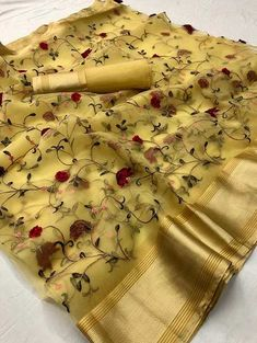 Beautiful Organza silk saree with Floral Thread. Embroidered work on allover the saree. The saree great for gift and wear for wedding, function, event, party or as you want. saree with matching blouse piece. Organza Saree, Cotton Saree, Silk Sarees, Net Saree, Saris, Kota Sarees, Silk Organza, Georgette Sarees, Jute