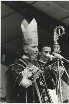 """Archbishop Marcel Lefebvre, Founder of the Society of Saint Pus X """"For I delivered unto you first of all, which I also received. Catholic Pictures, Catholic Bishops, Religion Catolica, True Faith, Catholic Quotes, Being In The World, Picts, Religious Art, Marcel"""