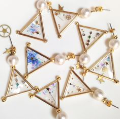The geometry of the star earrings
