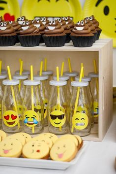 For their birthday, we decided to throw a big Emoji birthday party for the twins. It's such a fun theme for a kids party. Emoji Decorations, Birthday Party Decorations, Birthday Ideas, Epic Emoji, Emoji Theme Party, Emoji Cake, Cupcake Emoji, 10th Birthday Parties, 8th Birthday