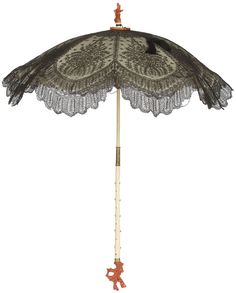 Parasol, c. Chantilly lace, satin, ivory, and coral. Victorian Fashion, Vintage Fashion, Victorian Gothic, Vintage Umbrella, Umbrellas Parasols, Under My Umbrella, Period Outfit, Antique Clothing, Chantilly Lace
