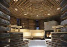 If there were a healing power of architecture, it would be found here. The Tschuggen Bergoase spa at the luxe Tschuggen Grand Hotel in the Arosa ski resort was designed by famous… Hotel Berg, Scandinavian Saunas, Therme Vals, Leisure Pools, Sauna Design, Studios, Leading Hotels, Wellness Spa, Grand Hotel
