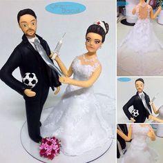 #noivinhospersonalizados  #profissões  #enfermeira  #enfermagem ⚽️ #hobby #futebol #casamento ❤️ #noivos #noiva #vestidonoiva #universodasnoivas #noivinhostopodebolo #noivinhosdiferente #biscuit #vivaosnoivos #casamentos #wedding #weddingcake #weddingcake #weddingdream #caraarteembiscuit #noivinhos