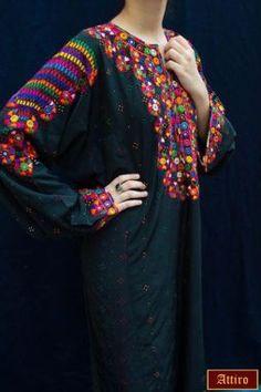 10450934_340572329431661_3154854103289363638_n Balochi Dress, Caftan Dress, Ethnic Fashion, Boho Fashion, Sindhi Dress, Mode Hippie, Modele Hijab, Afghan Dresses, Embroidery On Clothes