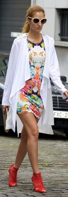 Pinterest: Outfit Ideas. Floral Dress Fall Inspo #Fashionistas