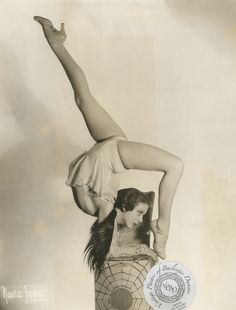 Barbara Blaine: vintage photo dated 17 March 1934 Barbara was appearing at the Chez Paree in Chicago and both a dancer and an acrobat. Circus Vintage, Old Circus, Vintage Burlesque, Circus Art, Vintage Circus Performers, Dark Circus, Night Circus, Vintage Carnival, Alvin Ailey