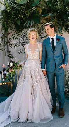 A modern take on a traditional long sleeve wedding dress, sheer sleeves proved to be a hit among brides this year. Whether it was a lace overlay or intricate embroidery this fashion forward trend was all the rage. Costumes Assortis, Bridal Gowns, Wedding Gowns, 2017 Wedding, Wedding Ceremony, Perfect Wedding, Dream Wedding, Wedding Girl, Hair Wedding