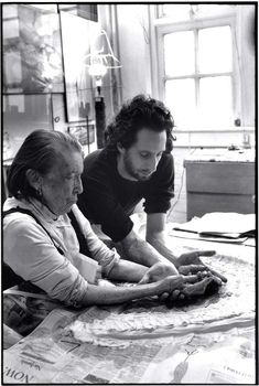 Rare, Candid Photos Show Louise Bourgeois in Her Home and Studio (Hyperallergic)