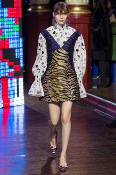 Kenzo Fall 2016 Ready-to-Wear Fashion Show - Lily Stewart