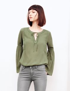 Blouse manches pagodes ocre femme • Jennyfer