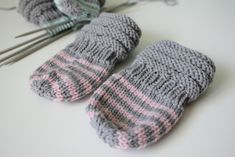 Knitting For Kids, Baby Knitting Patterns, Crochet Baby, Knit Crochet, Fun Projects, Handicraft, Mittens, Knitted Hats, Hello Kitty