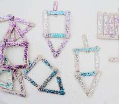 Chanukah Popsicle Stick Dreidel Craft For Kids, With Glitter!