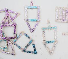 Chanukah Popsicle Stick Dreidel Craft For Kids, With Glitter!