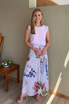 Catch Hannah Brown's Fabulous Floral Skirt On The Bachelorette Tonight   Celebrity Style Guide