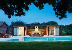 coin repas, cabane chic, terrasse avec cheminée, SPA et piscine