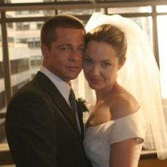 Brad Pitt and Angelina Jolie finally married. It is fair to note that Brad didn't rush into marriage the second time around. In 2000 he married Jennifer Aniston but five years later it was all over. Brad And Angelina Wedding, Angelina Jolie Movies, Brad Pitt And Angelina Jolie, Angelina Joile, Vivienne Marcheline Jolie Pitt, Brad And Angie, Brad Pitt And Jennifer, Celebrity Couples, Celebrity Weddings