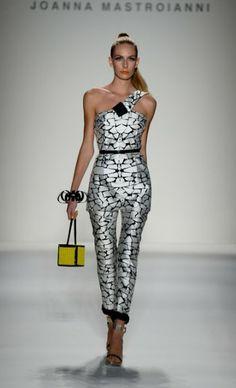 Mercedes-Benz Fashion Week : JOANNA MASTROIANNI