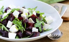 Cviklový šalát Fruit Salad, Cobb Salad, Feta, Cabbage, Salads, Cheese, Vegetables, Recipes, Fruit Salads