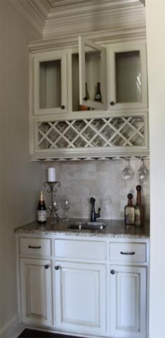 Chateau Lille wet bar