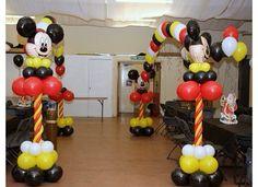 Mickey mouse balloon columns arch